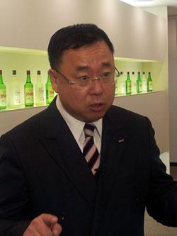 楊仁集(ヤン・インジプ)ハイト真露日本法人社長(55)