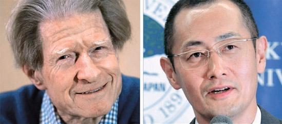 英ケンブリッジ大学のジョン・ガードン教授と京都大学iPS細胞研究所の山中伸弥所長。