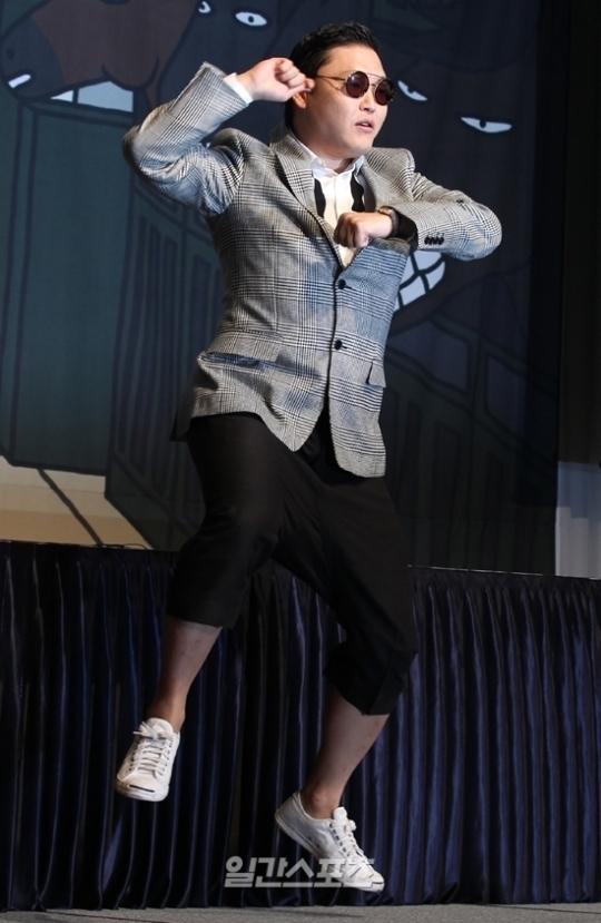 歌手PSY(サイ)。