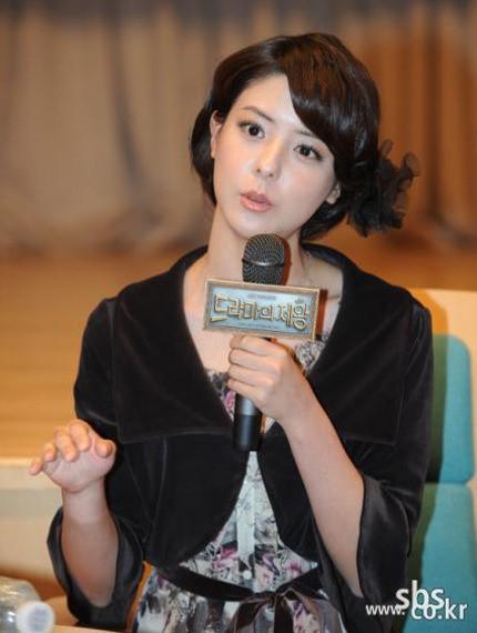 日本人女優の藤井美菜。
