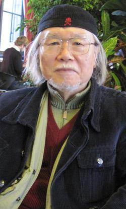 日本を代表する漫画家・松本零士氏は「現在、世界漫画市場はデジタル漫画などの登場で新たな激変期を迎えている。 デジタル漫画が発達した韓国で、近いうちに世界的な作家が出てくると思う」と語った。