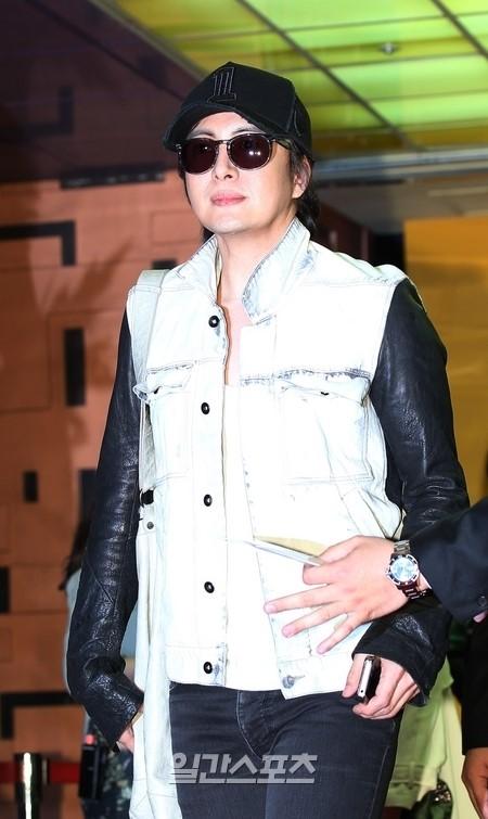 俳優のペ・ヨンジュン。