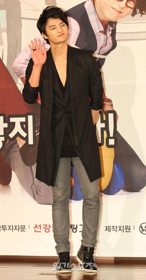 俳優のソ・イングク。