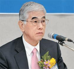 東レの日覚昭広社長は3日、亀尾炭素繊維工場竣工式で「韓国で年10兆ウォン台の産業関連効果が期待される」と話した。(写真=東レ)