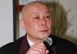 曹洞宗の一戸彰晃僧侶(64)。