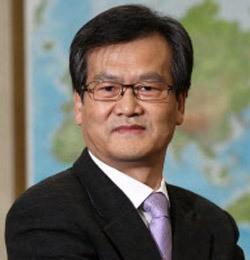 鄭在貞(チョン・ジェジョン)ソウル市立大教授。
