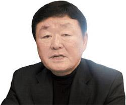 作家イ・ウォンホ氏。