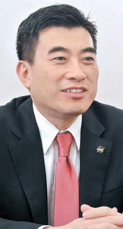 米航空宇宙局(NASA)のシン・ジェウォン局長補(54)。