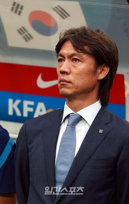 サッカー韓国代表の洪明甫(ホン・ミョンボ)監督
