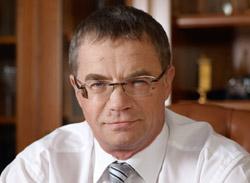 アレクサンダー・メドベージェフ副会長(58)