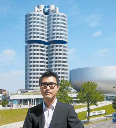 BMW本社で会ったカン・ウォンギュ氏は、デザイナーには直感が重要だと話していた。