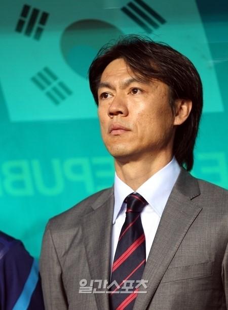 韓国代表チームの洪明甫(ホン・ミョンボ)監督。