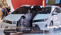 トヨタが公開したヤリス・ハイブリッドR。