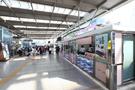 高速鉄道KTXをはじめ、各地方行きの列車が発着するソウルの玄関口・国鉄ソウル駅。その構内に今年6月に誕生した「駅弁エリア」が、注目を集めています。
