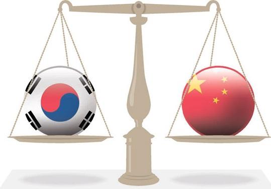 韓国が中国に比べ絶対的に優位だった製品が急激に減っている。
