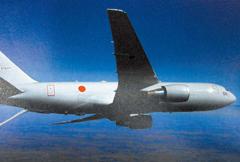 日本が保有する空中給油機のKC-767J。4機が運用中で今後4機を追加導入する。