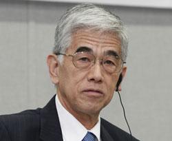 日覚昭広東レ社長(64)。