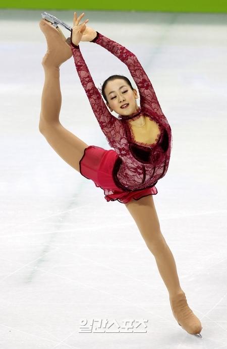 日本フィギュアスケートの浅田真央(23)。