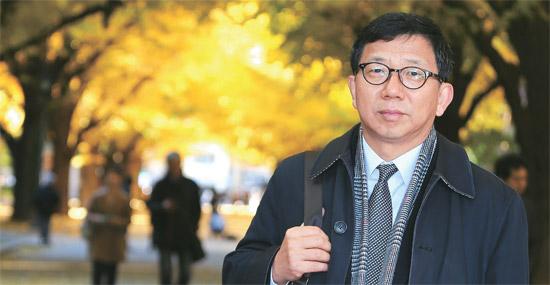 李元徳(イ・ウォンドク)国民大国際学部教授は「日本が依然として過去の歴史を反省しなくても、韓国は実用的で戦略的な外交をする必要がある」と強調した。27日、東京大本郷キャンパスで撮影。