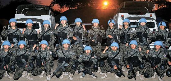 今年初めから南スーダンで平和維持・再建活動を行っている韓国ハンビッ部隊兵が先月29日、任務終了後にキャンプに復帰した姿。(写真=合同参謀本部)