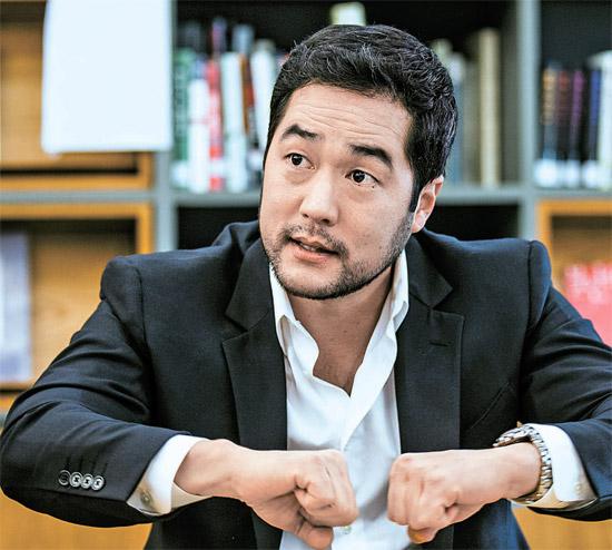 4年ぶりに韓国を訪れた俳優ティム・カンは「韓国映画は、『JSA』『シュリ』『オールドボーイ』のように公開されてからずいぶん経った作品しか見ていない。今回、韓国にきたついでに思い切り観る予定」と話した。