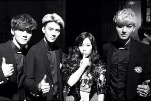 EXOのルハン、セフン、タオとグループ少女時代のテヨン(写真=テヨンのインスタグラム)。