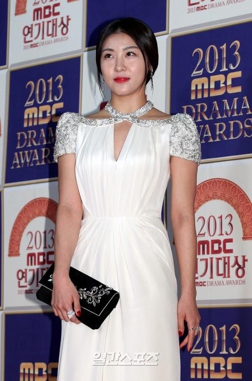 女優のハ・ジウォン。