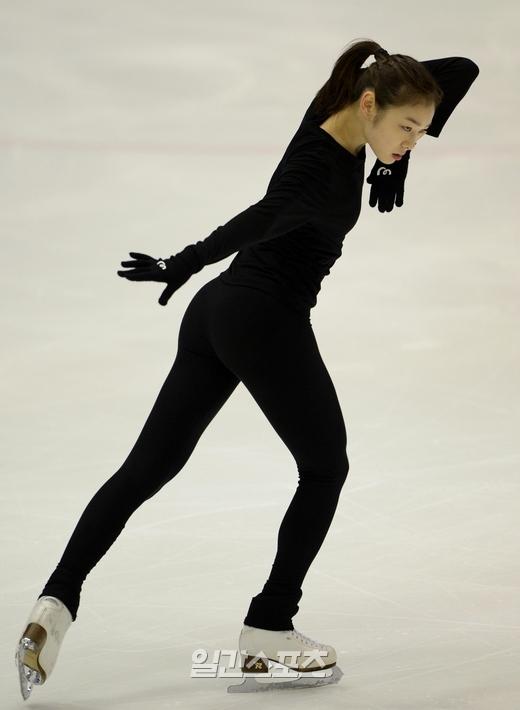 キム・ヨナ(24)