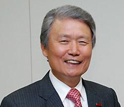 榊原定征東レ会長(70)。
