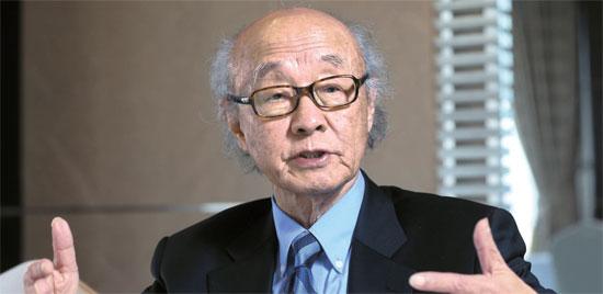 パク・ハンシク教授は10日のインタビューで、張成沢処刑に伴う北朝鮮内部の急変事態はなかったと述べた。