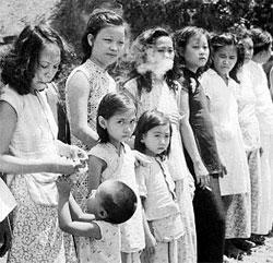 中国政府と学界・芸術界が最近、従軍慰安婦問題を積極的に取り上げ、過去の歴史領域でも日本に攻勢をかけ始めた。中国は被害国がこの問題に共同で対応するべきだと強調している。写真は1945年にマレーシア・ペナンで日本軍の慰安婦とされていた中国・マレーシアの女性。(写真=中央フォト・中新網)