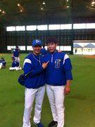 姜正浩(カン・ジョンホ、27、右)