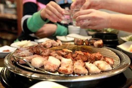 韓国の人気メニューのサムギョプサル、そのカロリーは…?