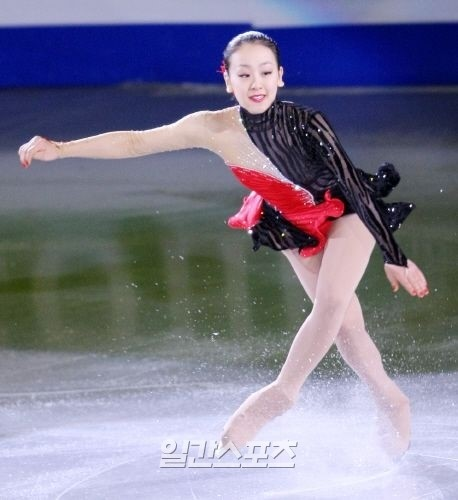 27日、日本のさいたまスーパーアリーナで開かれた国際スケート競技連盟フィギュア世界選手権女子シングルショートプログラムで世界新を出した浅田真央。