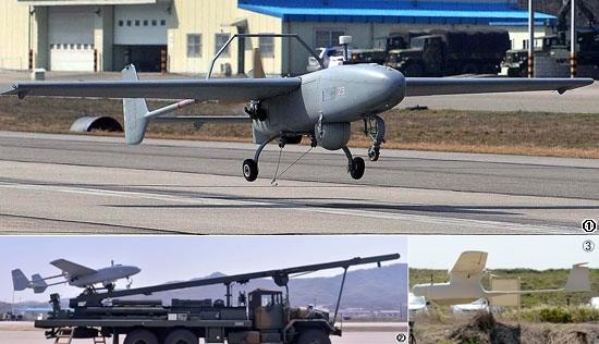 1、低高度無人機「ソンゴルメ」。写真2、移動発射台。3.小型無人機「リモアイ」。(写真=共同取材団)