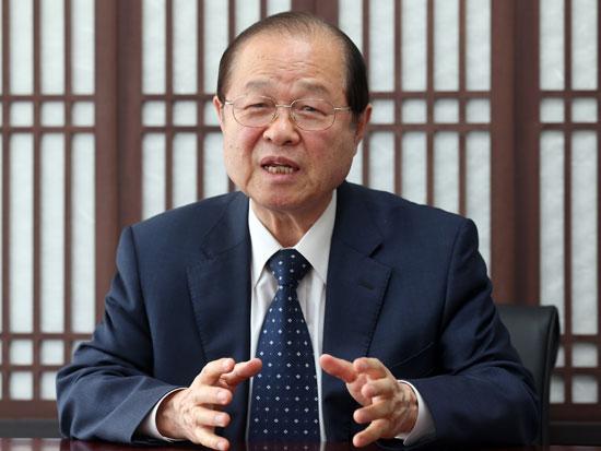 国外所在文化財財団の安輝濬理事長。「韓国文化を知らせるのに効果的ならば文化財を海外に置いておくことも考慮しなければならない」と話した。