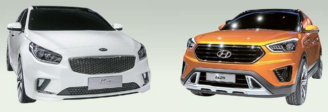 20日に開幕した「2014北京モーターショー」では、中国向けの新車が目立った。中国の若者を狙った現代車の小型SUV「ix25」(右)と大型セダンのように見えるデザインを強調した起亜車「K4」のコンセプトカー(左)。