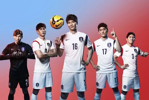 2014年ブラジルW杯に出場する韓国代表のホームユニフォーム(写真=ナイキ提供)