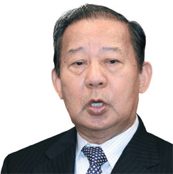 二階俊博氏(65)