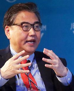司会を担当したアジア未来研究院のパク・ジン常任代表