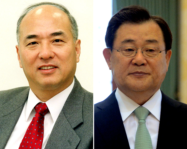 文昌克(ムン・チャングク)氏(左側)と李丙ギ(イ・ビョンギ)氏。(写真=中央フォト)