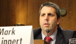 駐韓米国大使に指名されたマーク・リパート氏が17日、米連邦上院承認公聴会で質問に答えている。