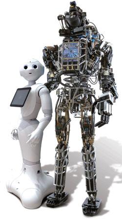 Pepper(ペッパー、左)とATLAS(アトラス)