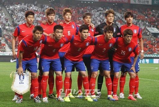 アジア大陸が1勝できるかどうかは、洪明甫(ホン・ミョンボ)監督率いる韓国代表にかかっている。