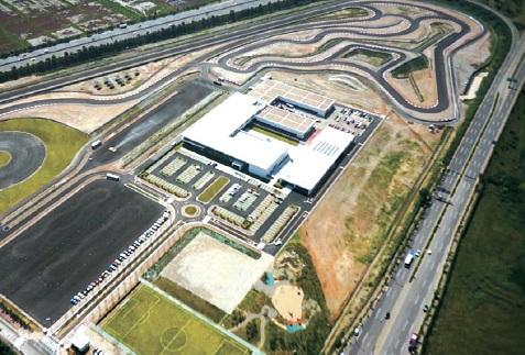 BMWドライビングセンター