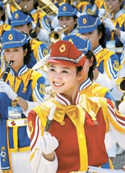 入港行事での北朝鮮美女応援団の様子。(写真=中央フォト)