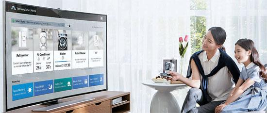 サムスンやグーグル、アップルなどが次の主力分野としているスマートホームサービスはスマートフォンやテレビリモコン等を通して室内すべての電子機器を制御できる機能だ。(写真提供=サムスン電子)