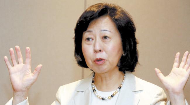 深川教授は「構造改革を恐れて逃げ回った日本が正面突破に出たのがアベノミクス」と話した。