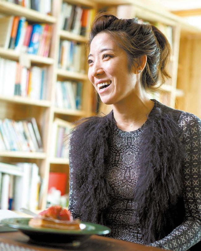 日本での成功談を話すキム・ジヒョン。