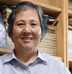 東アジア茶文化研究所のパク・ドンチュン所長(61)